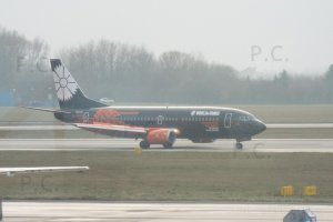 eye catching special livery b 737 world of tanks photo przemyslaw chorazykiewicz (ew-254pa black orange jet).JPG
