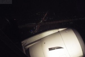 embraer 195 sp-lnb take-off waw rze lo3807 night flight.JPG