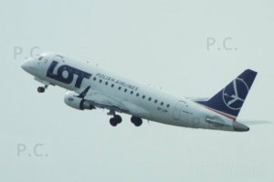 Embraer 170, 175, 190, 195 PLL LOT Chopin Airport 24. 04. 2019