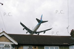 b 747 landing approach heathrow 2007