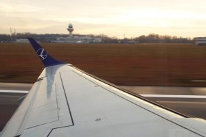 Embraer 195 SP-LND PLL LOT Chopin Departure 10. 01. 2020 Warsaw Skywatching