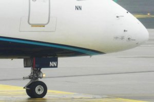 front wheels pll lot embraer 195 sp-lnn.JPG