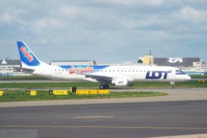 E 195 SP-LNB PLL LOT Warsaw Chopin 7. 07. 2020 Goplana Grzeski Sweet Snacks